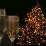 クリスマスは大丈夫!?恋愛運強化のカラーファッション【冬服編】