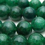 緑の癒しパワーを秘めたグリーン系のパワーストーン