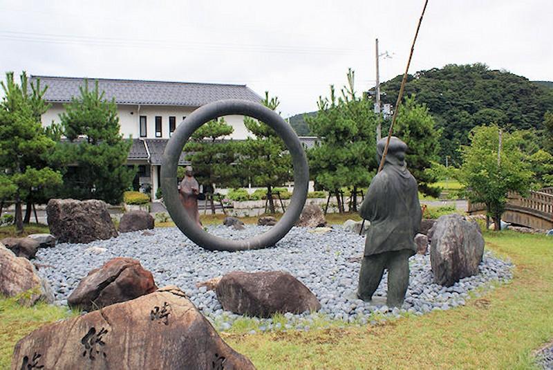yuyujikuu1