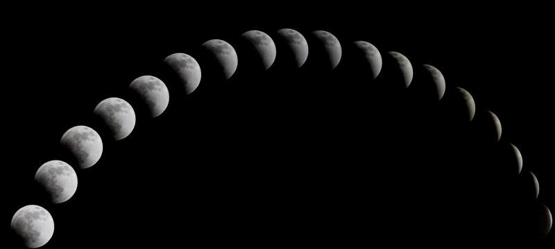 a-total-solar-eclipse-1113799_1280