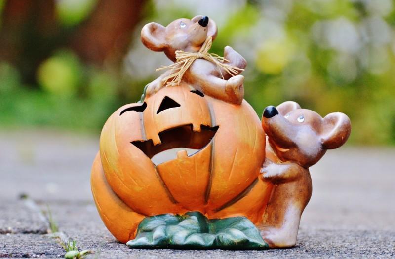 halloween-970125_1280