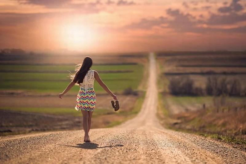 mood_girl_dress_road