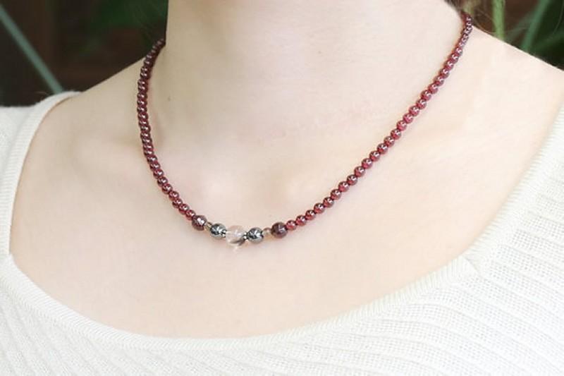 garnet-mix-necklace-010338_b4_580
