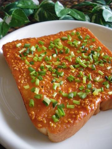 エビチリ風トースト