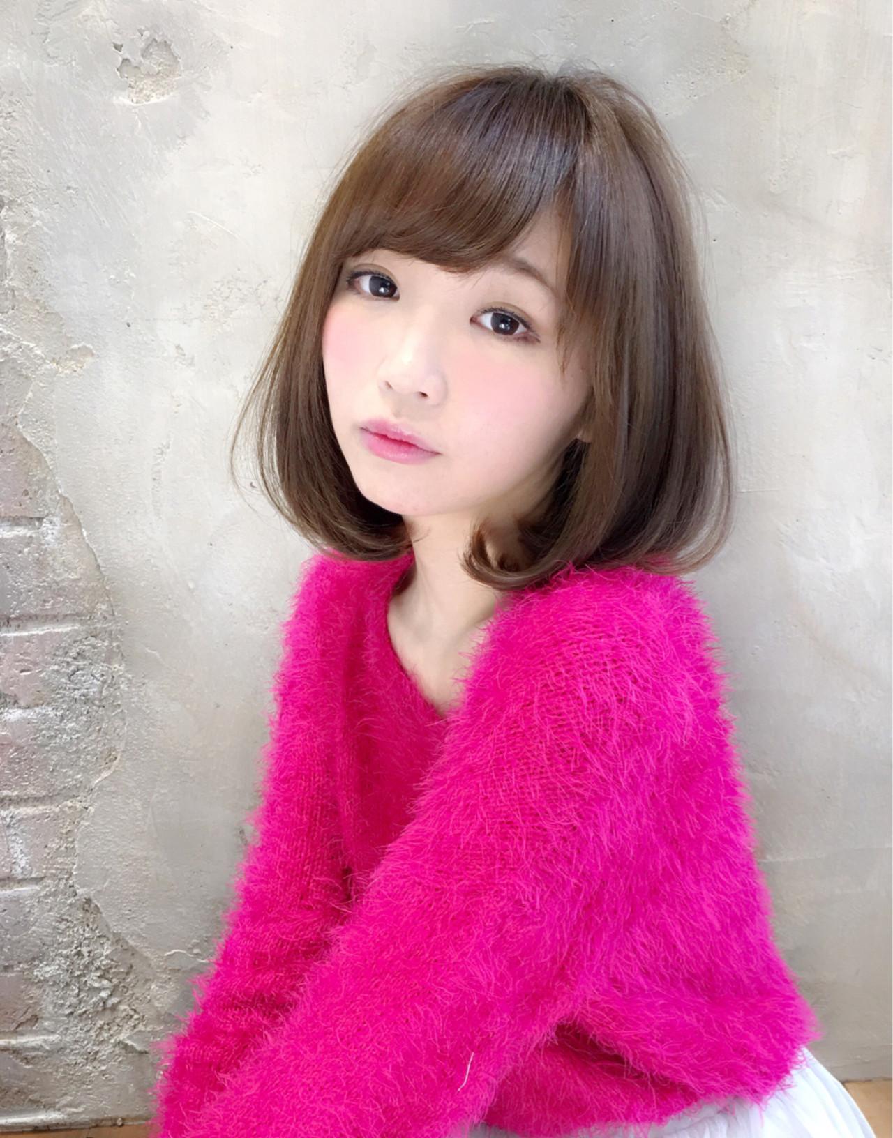 """ピンクの韓国版""""おフェロ""""メイク"""