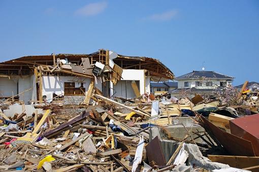 【夢占い】大地震の前触れ?地震が起きる夢を見た意味!