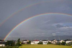 幸運の象徴である「虹」がダブルで見えると運気アップ!